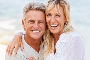 Service with a Smile, for Your Smile  Dynamic Dentistry  with Bruce Glover, DDS