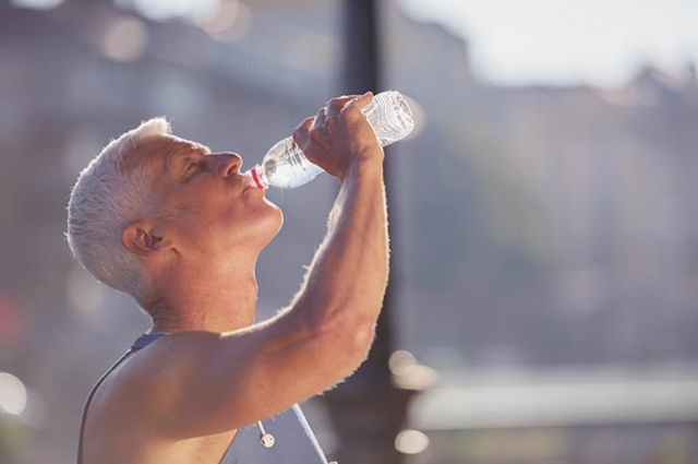 Tips for Seniors  to Beat the Summer Heat