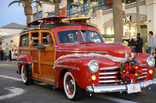 HB Pier Snowflake Lighting Ceremony and Main Street Holiday Parade to Benefit At-Risk Youth